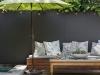 Decoración de terrazas y patios: sombrilla