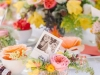 Decoración del Día de la Madre: mesa decorada con fotos