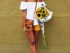 Escote Bardot: look blanco con shorts