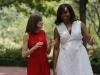 La Reina Letizia y Michelle Obama en Madrid: caminando y hablando