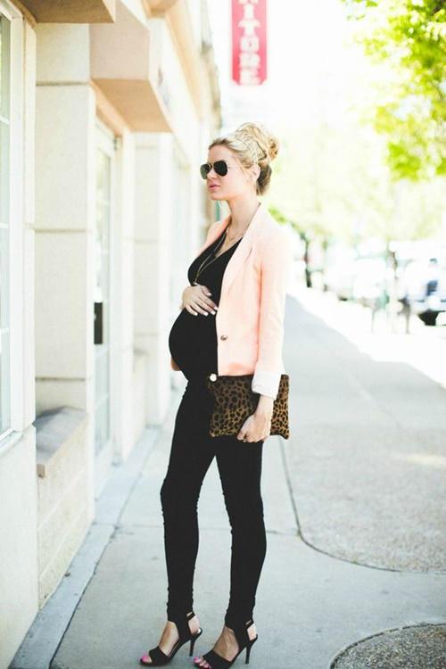 Looks para embarazadas de primavera  pantalones negros con blazer. Looks  para embarazadas de primavera  pantalones negros con blazer a6f4cb881e34