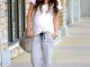 Looks para embarazadas de primavera: pantalones fluidos
