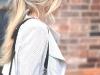 Peinados effortless: look con coleta despeinada
