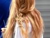 Peinados effortless: look con trenza semirecogido
