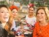 Rosa Benito y Gloria Camila en la Feria de Abril 2016: Rosa Benito, Nagore Robles y Raquel Bollo en coche de caballos
