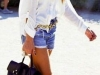 Shorts denim looks: camisa blanca