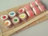 Sushi de gominolas: Con los palillos