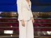 Vicky Martín Berrocal presentación Levántate All Stars: look con traje blanco