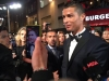 Cristiano Ronaldo presentación película en Londres: alfombra roja posando para la prensa