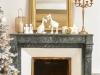 Decoración de chimeneas en Navidad: Maisons du Monde dorada