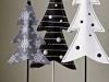 Decoración de Navidad en blanco y negro: árboles de tela