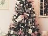 Decoración de Navidad en rosa: árbol con lazos