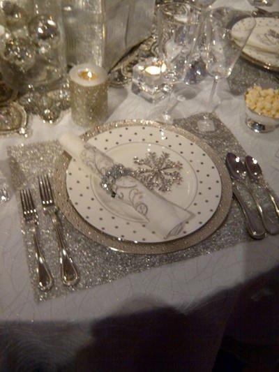 Decoración de Navidad plateada: mesa mantel individual