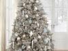 Decoración de Navidad plateada: árbol azul y plata