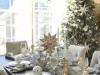 Decoración de Navidad plateada: mesa y árbol