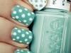 Diseños de uñas fáciles y bonitos manicura de colores con lunares