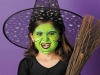 Disfraz de bruja para niña casero: maquillaje verde