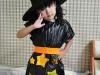 Disfraz de bruja para niña casero: modelo con estrellas