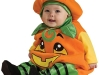 Disfraz de calabaza para bebés: Con medias verdes y negras
