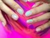 Glass nail art: blanca con brillo