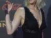 Jennifer Lawrence looks en Madrid premiere 'Sinsajo 2': premiere saludando