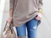 Jerseys oversize: look con jeans y beige