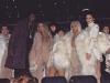 Kim Kardashian rubia platino desfile Kanye West: front row