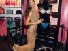 Lily Aldridge con el Fantasy Bra 2015 de Victoria's Secret: posando con el sujetador