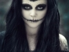 Maquillaje de calavera para Halloween: blanco y negro ojeras