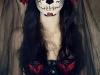 Maquillaje de Catrina para Halloween: blanco, negro y rojo