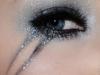 Maquillaje Halloween Mujer: detalle sombras con brillo
