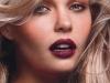 Maquillaje Nochevieja 2015: Look beauty con sombras doradas y labios púrpura
