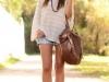 Moda Años 70 Estilo Hippie Chic: shorts denim con camiseta calada