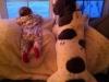 Niños y mascotas: en el sofá