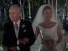 Paula Echevarría vestido de novia de Rosa Clará en Velvet: llegando al altar