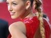 Peinados con trenzas: Blake Lively coleta alta tirante