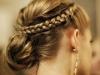 Peinados con trenzas para Nochevieja 2015: moño bajo con corona de trenzas