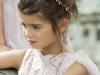 Peinados de Comunión 2017 tendencias: moño bajo con corona