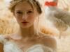 Peinados de novia con trenzas: corona despeinada
