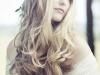 Peinados de novia románticos: melena con ondas