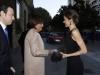 Premios Princesa de Asturias 2015 inauguración: Reina Letizia saludando a Carmen Moriyón