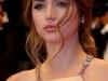 Qué pendientes me favorecen según la forma de mi cara: Ana de Armas