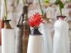 Reciclaje creativo con botellas de plástico: jarrones blancos