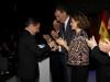Reina Letizia look con chaqueta étnica de Zara: aplaudiendo