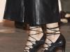 Reina Letizia look con culottes en ARCO 2016: detalle zapatos