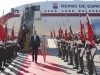 Reina Letizia looks viaje a Portugal 2016: Look de Felipe Varela bajando del avión