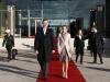 Reina Letizia looks viaje a Portugal 2016: Look de Felipe Varela a su llegada