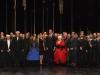 Reyes inauguración temporada Teatro Real 2015: posando con los directores y el elenco