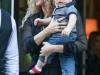 Shakira y Sasha viaje a Nueva York: saliendo del hotel