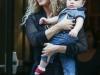 Shakira y Sasha viaje a Nueva York: sonriendo